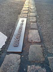 Berliner Mauer Pflastersteine