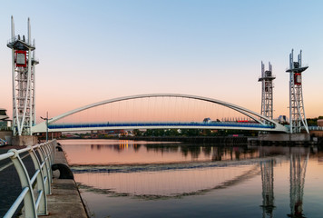 footbridge salford quays