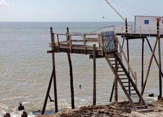 Pêche au carrelet, cabane de pêcheurs sur pilotis