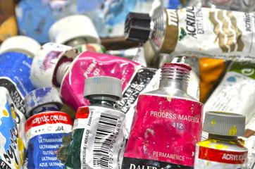 Tubos de pintura acrílica