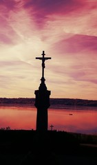 Berg Sonnenuntergang Kreuz votivkirche