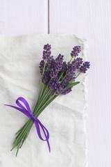 Kleine Lavendelsträußchen, feminin