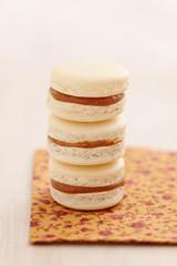 Macarons mit Karamellfüllung
