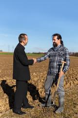 Land Grabbing zwischen Business Mann und Bauer