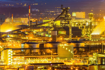 Österreich,  Linz, Industriegebiet