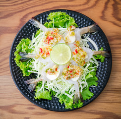 Raw shrimp in fish sauce, the Thai spicy appetizer