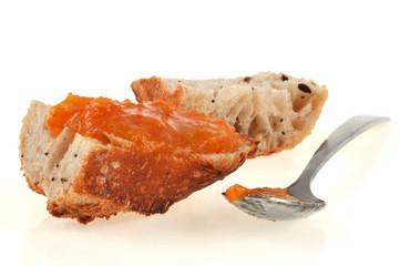 Tartine et confiture d'abricot