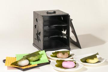 和菓子・菓子箱・5色の柏もち