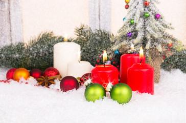 weihnachtszeit mit kerzenschein