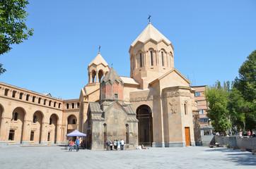 Церковь сурб Католике в Ереване, 13 век