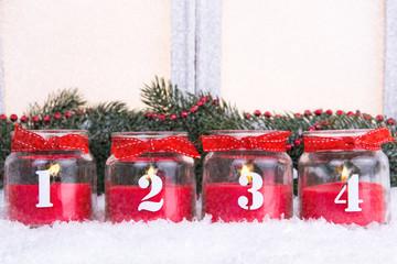 kerzen im glas zur adventszeit