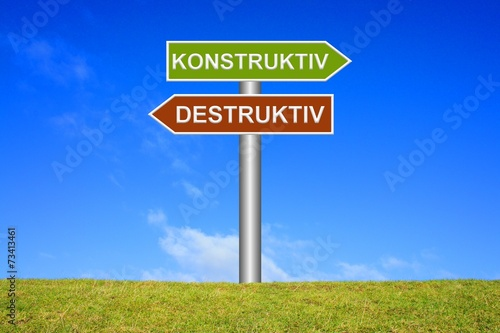 Leinwanddruck Bild Schild Wegweiser: Konstruktiv / Destruktiv