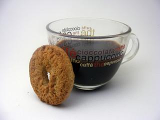 Caffè e biscotto