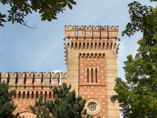 Wiener Arsenal, Blick auf einen Turm