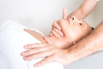 Zervikale Behandlung bei aelterer Patientin