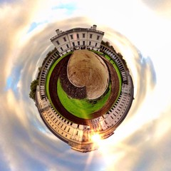 Awesome London attraction circular landscape view