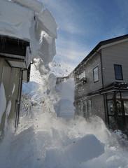 屋根雪崩落