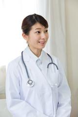 若い女性医師のポートレート