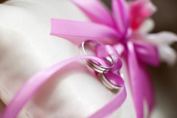Stylish wedding rings. Details of the wedding day.