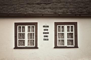 Altes Wohnhaus mit Spruch