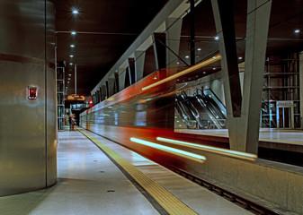 Einfahrende U-Bahn