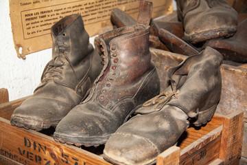 De vieilles paires de chaussures