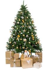 gold geschmückter christbaum mit lichtern