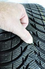 Contrôle du taux d'usure d'un pneu