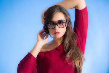 Pretty woman wear sunglasses