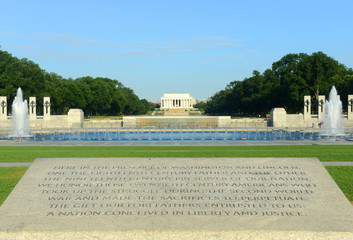 National WWII Memorial and Lincoln Memorial in Washington, DC