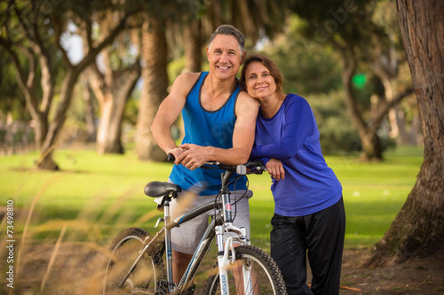 canvas print picture Portrait of a healthy couple in their fifties