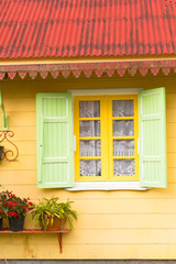 façade de maison créole typique