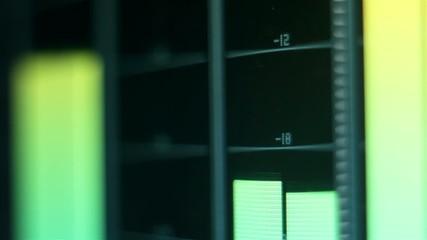 Mixer volume digital level monitor