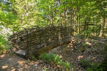 Trauerkarte: Brücke aus Holz im Wald