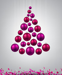 Christmas tree with magenta christmas balls.