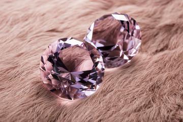 毛皮の背景の宝石イメージ