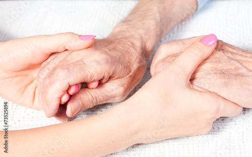 care is at home of elderly - 73525894