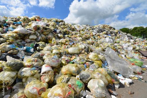Leinwanddruck Bild Müll, Plastik, Deponie, Recycling, Wertstoff, Entsorgung