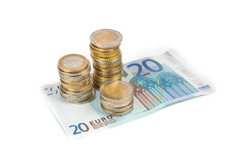 Soldi euro su sfondo bianco