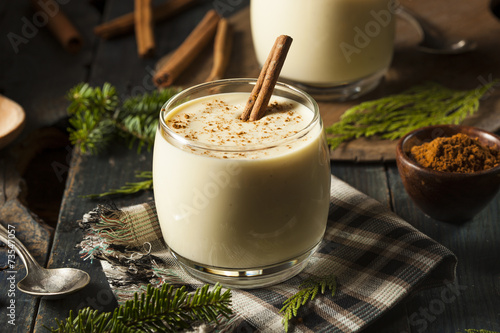Leinwandbild Motiv Homemade White Holiday Eggnog