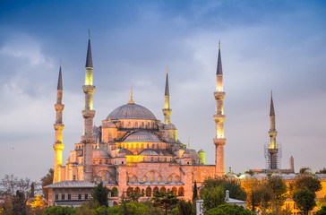 Amazing night view of Blue Mosque - Istanbul, Turkey