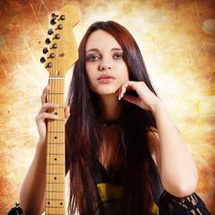 Schönheit mit Gitarre