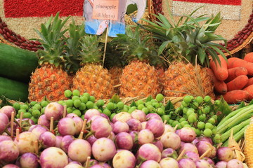 pine apple with vegetables