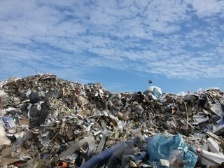 Montagna di rifiuti 2