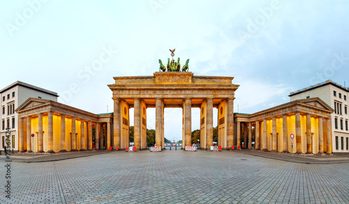 Fotobehang Berlijn Brandenburg gate panorama in Berlin, Germany