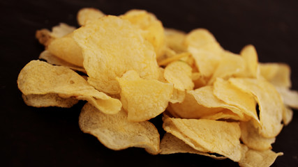 potato chips (close up)