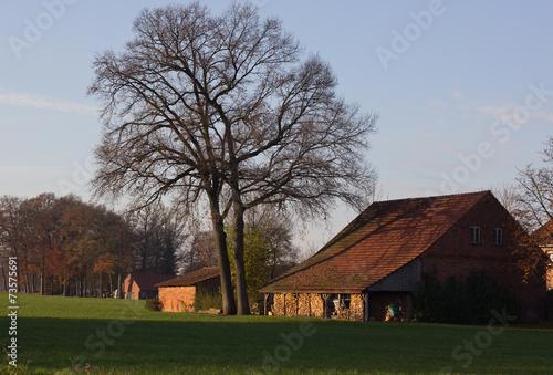 canvas print picture Bauernhof im Herbst