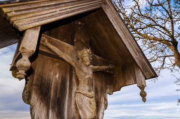 Kruzifix aus Holz