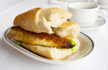 Photos illustrations et vid os de maquereau for Fish sandwich fast food