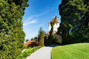 Oberhofen castle's garden